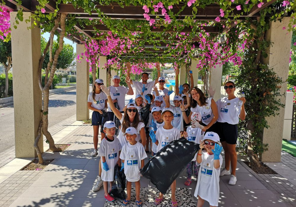 Caring for the sea that unites us: Astir Odysseus Resort & Spa participates in the Blue Flag Mediterranean week